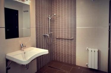 habitacion-doble-adaptada-hotel-el-corte-01